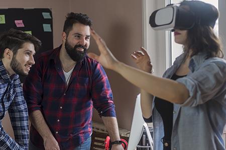 Expert*innen stellen Berufe vor, 360°-Filme zum Kennenlernen verschiedener Berufsfelder.